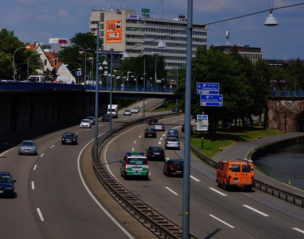 Megaposter_bigcitywall_Saarbruecken_A620_80.000_KFZ_tgl_01