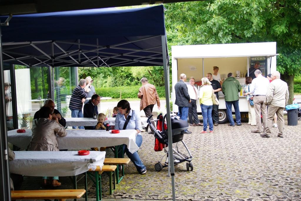 Eventmodul saarländischer Grillwagen und Eventzelt inkl. Bestuhlung