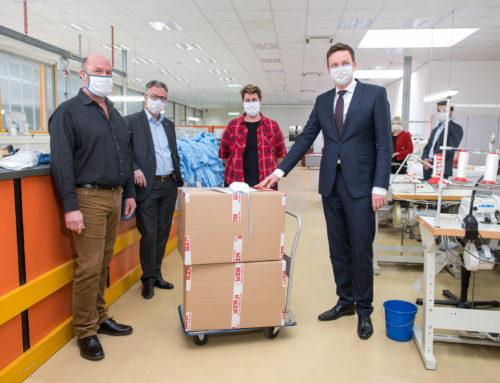 +++ 400 OP Atemschutzmasken täglich. Saarländer mit Behinderung nähen gegen die Coronakrise.